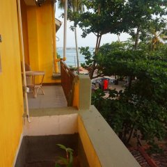 Отель Thaproban Beach House 3* Улучшенный номер с двуспальной кроватью фото 9