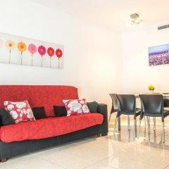 Отель Apartamentos Navas 2 Барселона комната для гостей фото 3