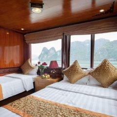 Отель Halong Golden Bay Cruise Стандартный семейный номер фото 9