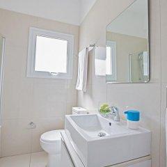 Отель Villa Margarita Bay Кипр, Протарас - отзывы, цены и фото номеров - забронировать отель Villa Margarita Bay онлайн ванная