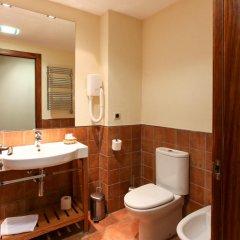 Отель Hostal Les Roquetes Керальбс ванная