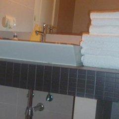 Отель Apartamentos del Prado Испания, Мадрид - отзывы, цены и фото номеров - забронировать отель Apartamentos del Prado онлайн ванная
