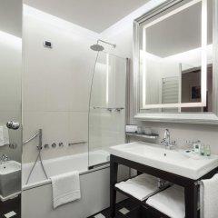 Отель UNAHOTELS Cusani Milano 4* Стандартный номер с различными типами кроватей фото 4
