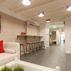 Отель Lovely And Chic Apt Next To Sagrada Familia гостиничный бар