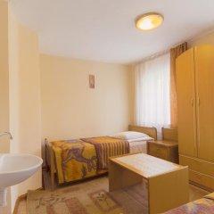 Гостиница Золотая Бухта 3* Номер с общей ванной комнатой с различными типами кроватей (общая ванная комната) фото 5