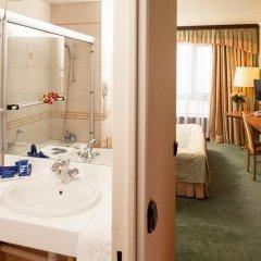 Гостиница Космос 3* Улучшенный номер с двуспальной кроватью фото 2