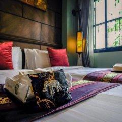 Отель Tha Tian Store Бангкок в номере