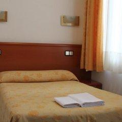 Отель Hostal Jerez Стандартный номер с различными типами кроватей фото 5