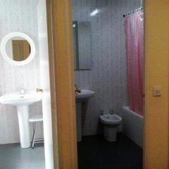 Отель Hostal Alonso ванная
