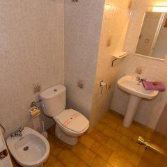 Отель Agi Sant Jordi Курорт Росес ванная фото 2