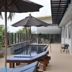 Отель AM Surin Place Номер Делюкс с двуспальной кроватью фото 7