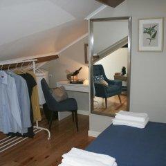 Отель Flores Guest House 4* Стандартный номер с двуспальной кроватью фото 25