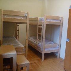 Envoy Hostel Кровать в общем номере с двухъярусной кроватью фото 3