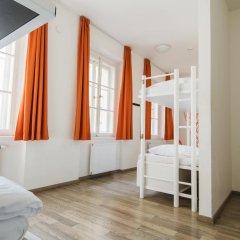 Отель Equity Point Prague Кровать в общем номере с двухъярусной кроватью фото 19
