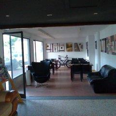 Отель Apartaments Estudis Els Molins Испания, Курорт Росес - отзывы, цены и фото номеров - забронировать отель Apartaments Estudis Els Molins онлайн гостиничный бар