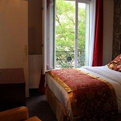 Отель Hôtel des Buttes Chaumont 2* Улучшенный номер с различными типами кроватей фото 4