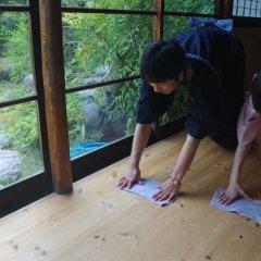 Отель Etchu Yatsuo Base OYATSU Япония, Тояма - отзывы, цены и фото номеров - забронировать отель Etchu Yatsuo Base OYATSU онлайн фитнесс-зал