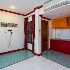 Отель Baan Phil Guesthouse в номере фото 2