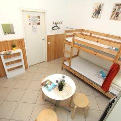 Хостел BedAndBike Кровать в женском общем номере с двухъярусной кроватью фото 10