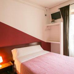 Отель Hostal La Casa de La Plaza Стандартный номер с двуспальной кроватью (общая ванная комната)