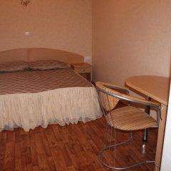 Лукоморье Мини - Отель Стандартный номер с двуспальной кроватью фото 9