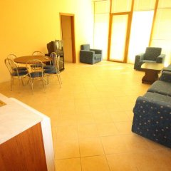 Апартаменты Menada Midia Apartments комната для гостей фото 4