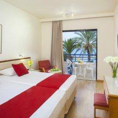 Queen's Bay Hotel 3* Стандартный номер с двуспальной кроватью