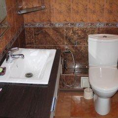 Отель Boorsok Hostel Bishkek Кыргызстан, Бишкек - отзывы, цены и фото номеров - забронировать отель Boorsok Hostel Bishkek онлайн ванная