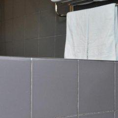 Отель Piao Home Inn Beijing Qianmen Китай, Пекин - отзывы, цены и фото номеров - забронировать отель Piao Home Inn Beijing Qianmen онлайн ванная
