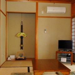 Отель Fujiwara Ryokan 3* Номер с общей ванной комнатой