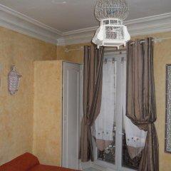Отель Hôtel Le Petit Trianon 3* Стандартный номер с различными типами кроватей