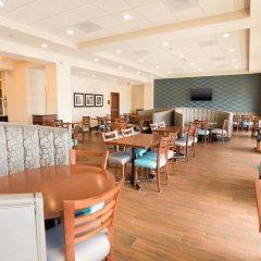 Отель Drury Inn & Suites St. Louis Brentwood питание