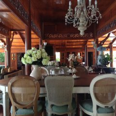 Отель Baan Sangpathum Villa питание
