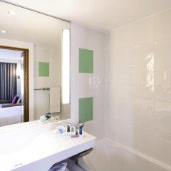 Отель Novotel London West 4* Улучшенный номер с различными типами кроватей фото 7
