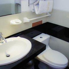 Ari's Hotel III ванная фото 2