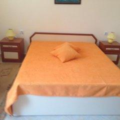 Отель Serbezovi Guest House Поморие комната для гостей фото 3