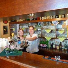 Отель Penzion Holiday гостиничный бар