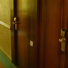 Hotel Odon сейф в номере