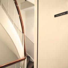 Отель Modern Studio in a Central Location Нидерланды, Амстердам - отзывы, цены и фото номеров - забронировать отель Modern Studio in a Central Location онлайн интерьер отеля фото 2
