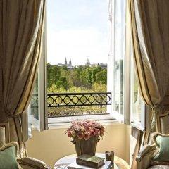 Отель Le Meurice 5* Улучшенный номер с различными типами кроватей фото 5
