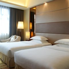 Отель Crowne Plaza Foshan 4* Улучшенный номер с 2 отдельными кроватями фото 2