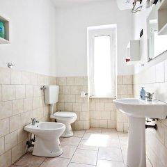 Отель Stairs of Trastevere 3* Стандартный номер с двуспальной кроватью (общая ванная комната) фото 4