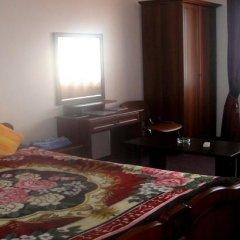 Гостиница Корона на Моздокской Стандартный номер с 2 отдельными кроватями (общая ванная комната)
