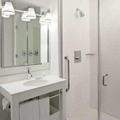 Отель Four Points by Sheraton Long Island City Стандартный номер с различными типами кроватей