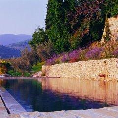 Отель Villa della Genga Country Houses Сполето приотельная территория