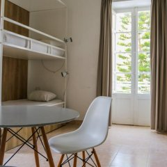 Inhawi Hostel Кровать в общем номере с двухъярусной кроватью фото 9