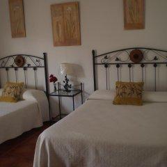 Отель Hostal El Canario Стандартный номер с различными типами кроватей фото 9