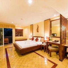 Отель Duangjitt Resort, Phuket 5* Номер Делюкс с двуспальной кроватью фото 17