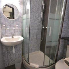 Best Hotel - Montsoult La Croix Verte ванная
