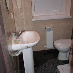 Гостиница Gostinnyy Dom na Kuznechnoy Стандартный номер с различными типами кроватей фото 10